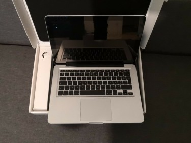 Apple Macbook Pro 15 Whatsapp:+19404417928