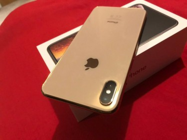 For Sale : Apple IPhone Xs Max