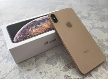 W/S : Apple IPhone Xs Max / Samsung