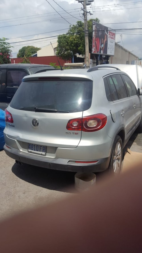 2009 Volkswagen Tiguan (Damaged)