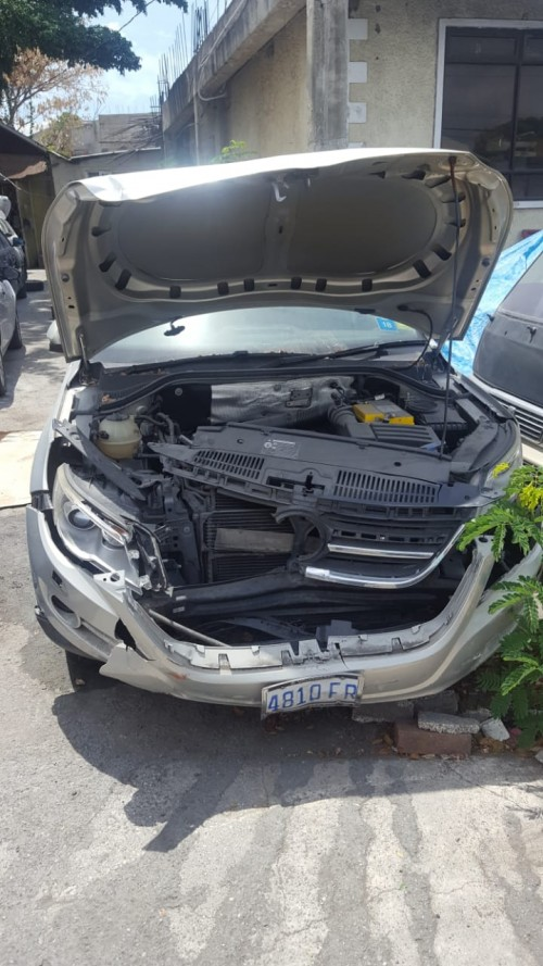 2009 Volkswagen Tiguan (Damaged)