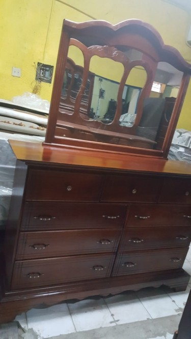 Beautiful Triple Mirror Dressing Table For Sale