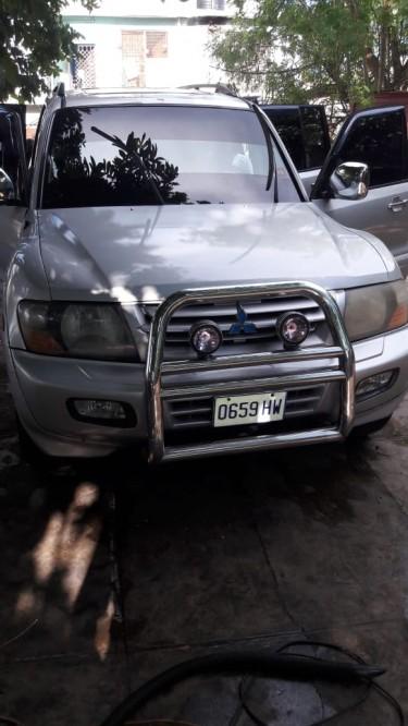 2001 Mitsubishi Pajero