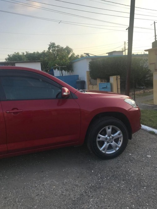 2011 Toyota Rav 4- Immaculate Condition!!!!!