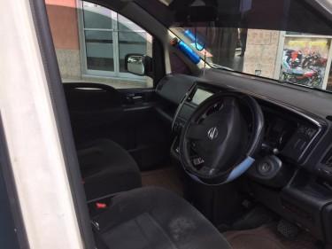 Nissan Serena 8 Seater