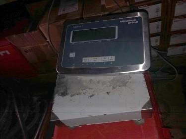 Scale (Minebea Intec Midrics)