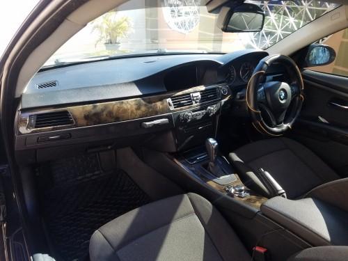 2009 BMW 320 Coupe RH