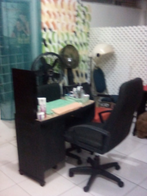 Nail booth and hair stations