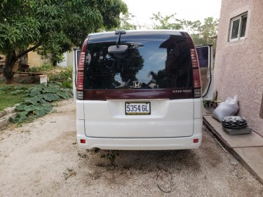 2004 Honda Step Wagon (Negotiable! Ac  7 Seat)