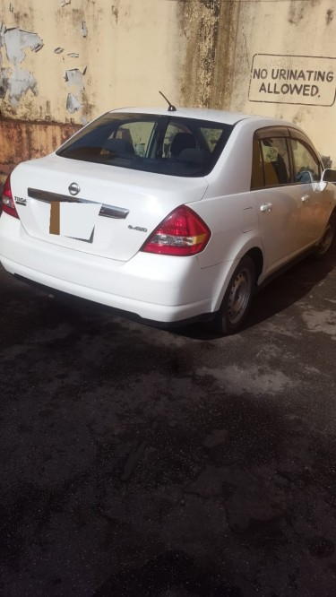 2007 Nissan Tiida (lady Driven)