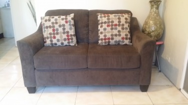 Couch/Settee/Sofa - 2 Piece (Sofa & Love Seat)