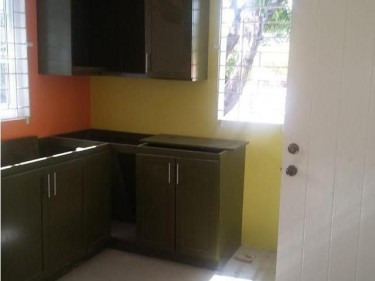 2 Bedrooms 2 Bathroom House For Rent