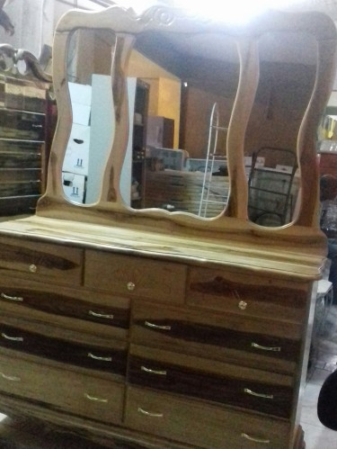 Beautiful And Elegant Dressing Table  For Sale