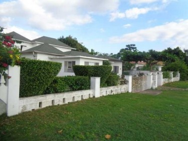 4 Bedroom House In Whitehouse