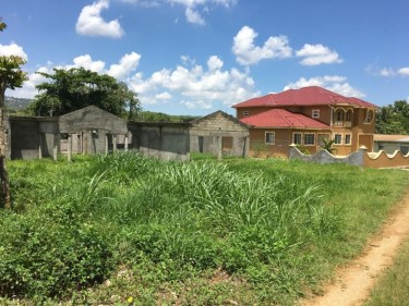 INCOMPLETE 3 BEDROOM HOUSE