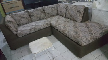 Beautiful Modular Sofa Set For Sale