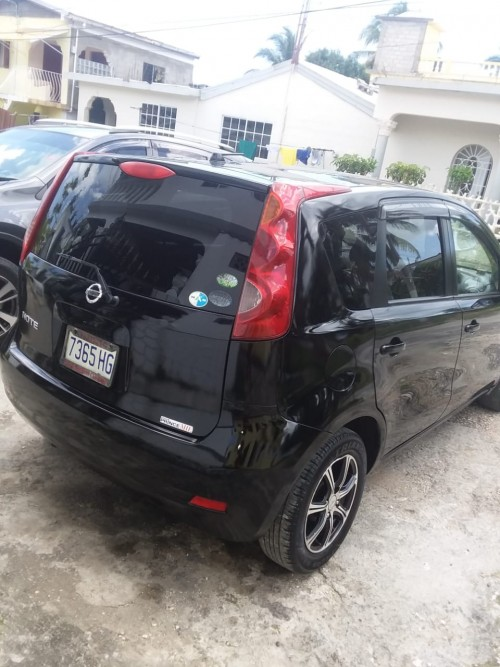 2011 Black Nissan Note