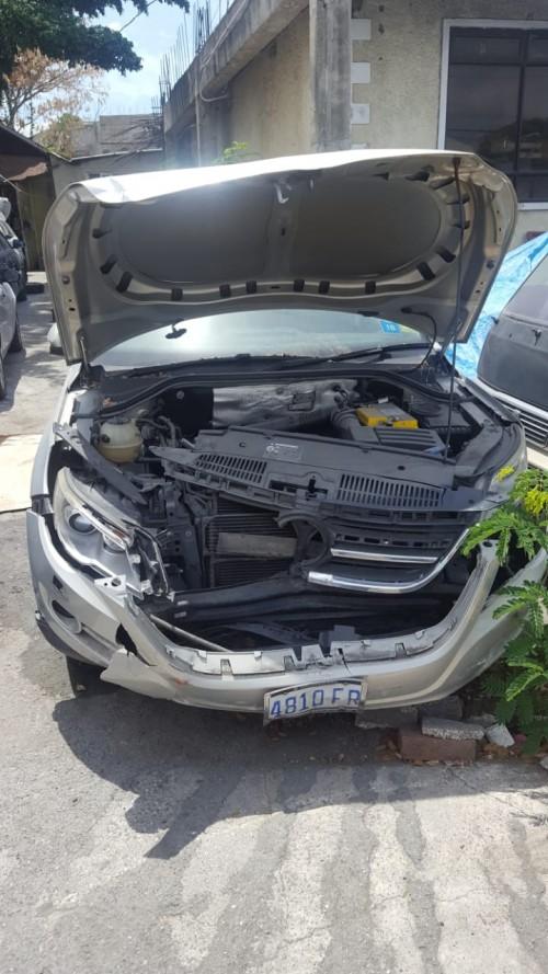 2009 Volkswagen Tiguan (Damaged Bumper)