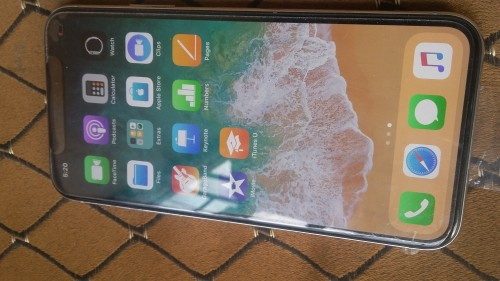 IPHONE X 64 GIG