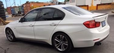 BMW 328i Sport Line