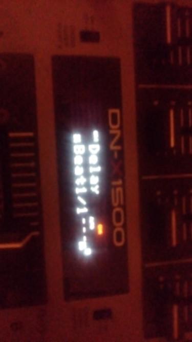 2 Denon DNHS5500 USB Players,1 Denon DNX1500 Mixer