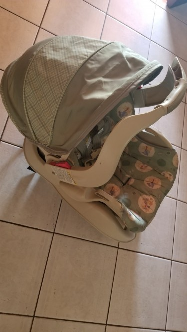 Graco Infant Carrier And Car Seat