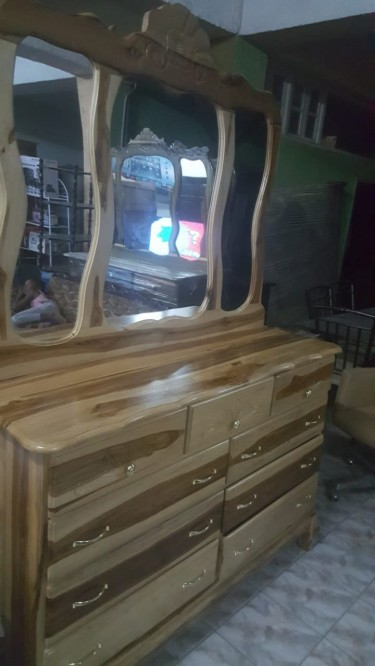 Beautiful 9 Drawer Dressng Table For Sale