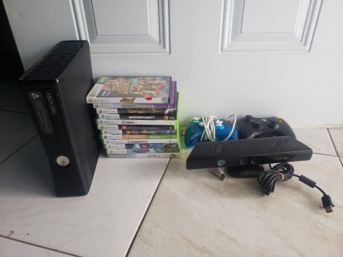 Xbox 360 (Everything In The Picture)