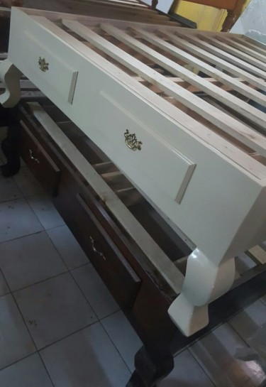 Queen Size Bedframe With Drawers For Sale