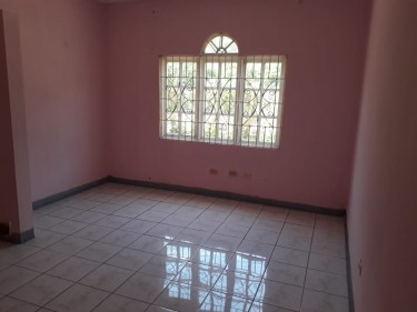 UNFURNISHED 3 BEDROOM 2 BATH FOR RENT