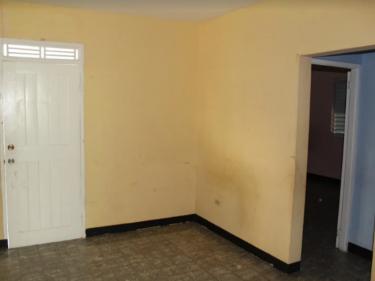 3 Bedroom 2 Bathroom FIXER UPPER HOUSE FOR SALE