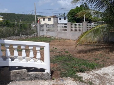 FLAMINGO BEACH....Unfurnished 2 Bedroom 2 Bathroom