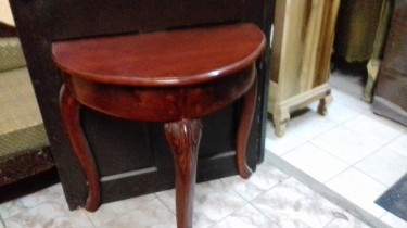 Beautiful And Elegant Entrance Table For Sale