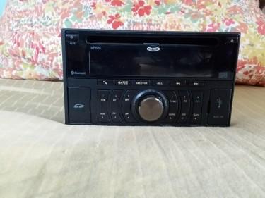 Jensen MP-1524 Double Din AM-FM / CD Receiver