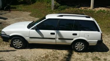 1991 Toyota Corolla Wagon (old School)