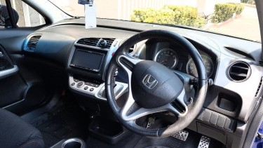 2010 Honda Stream RSZ