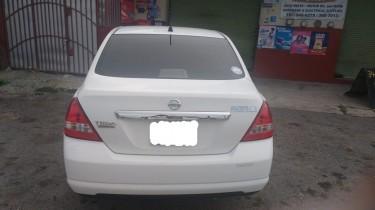 Nissan Tiida Latio 2012