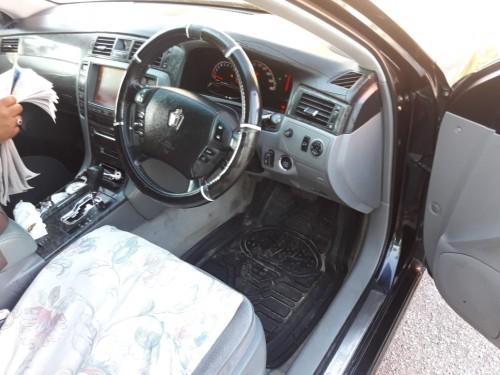 2004 Toyota Crown Royal