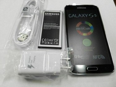 Samsung S5 Unlocked W/ Accessories
