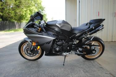 2016 Black Yamaha YZF-R1