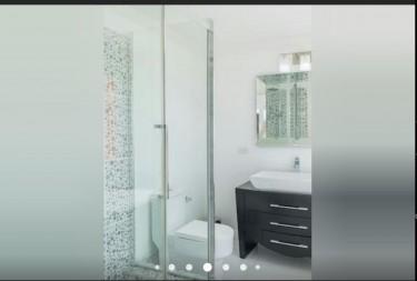 2 Bedroom 2 1/2 Bathroom West End Vacation Home