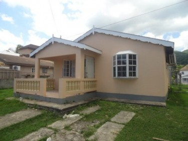 2 BEDROOM 1 BATH HOUSE FOR SALE