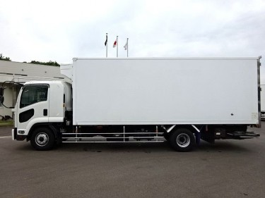 ISUZU FORWARD FREEZER 2008