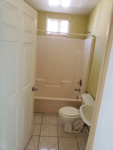 1 Bedroom, Kitchen And Bathroom