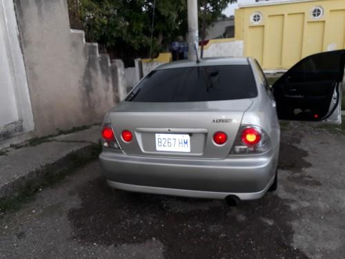 2005 Toyota Altezza