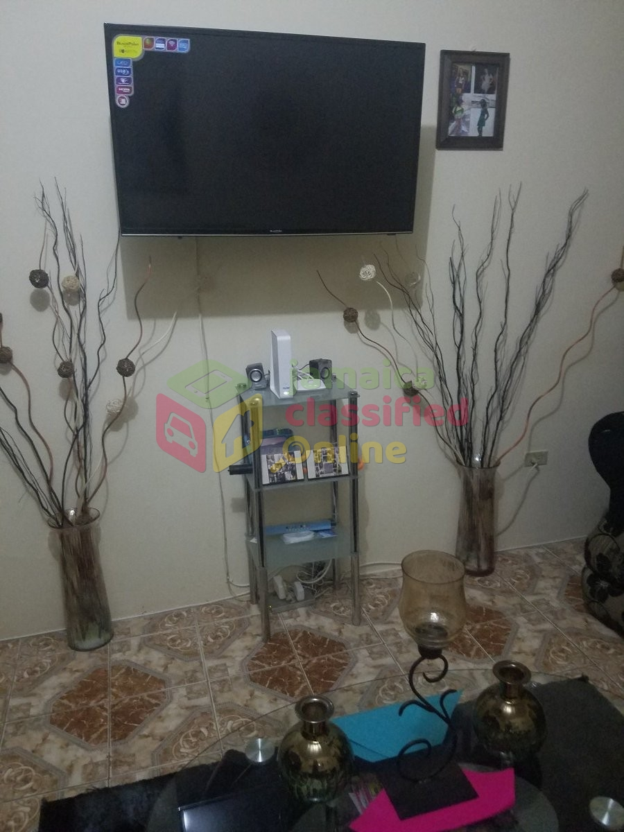 Furnished 1 Bedroom Apartment For Rent In Mandeville: Semi-furnished 1 Bedroom With Bathroom. For Rent In Unity