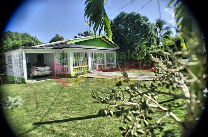 Beautiful 1 Story 4 Bedroom Family House For Sale In
