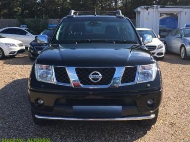 Nissan Frontier Navara 2015