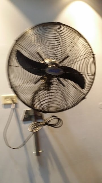 BRAND NEW INDUSTRIAL WALL FAN