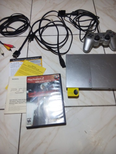SONY Playstation 2 Satin Silver Soft Mod 20+ Games